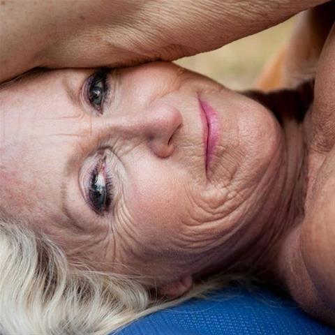 Daten met deze 69-jarige vrouw