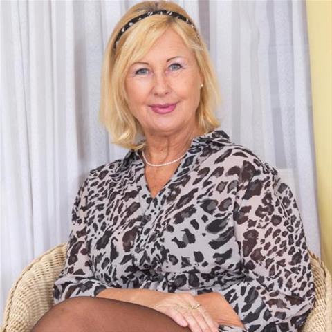 Erotische ontmoeting met 67-jarig omaatje uit Flevoland