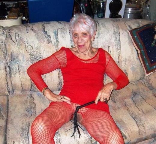 Laat je ontknapen door 67-jarig omaatje uit Noord-Brabant